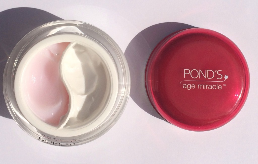 Ponds-Age-Miracle-Day-Cream-color