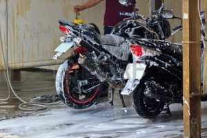 washing-motorcycle-productreviewbd